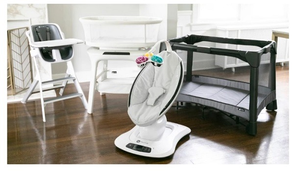 4mom baby accessory example store